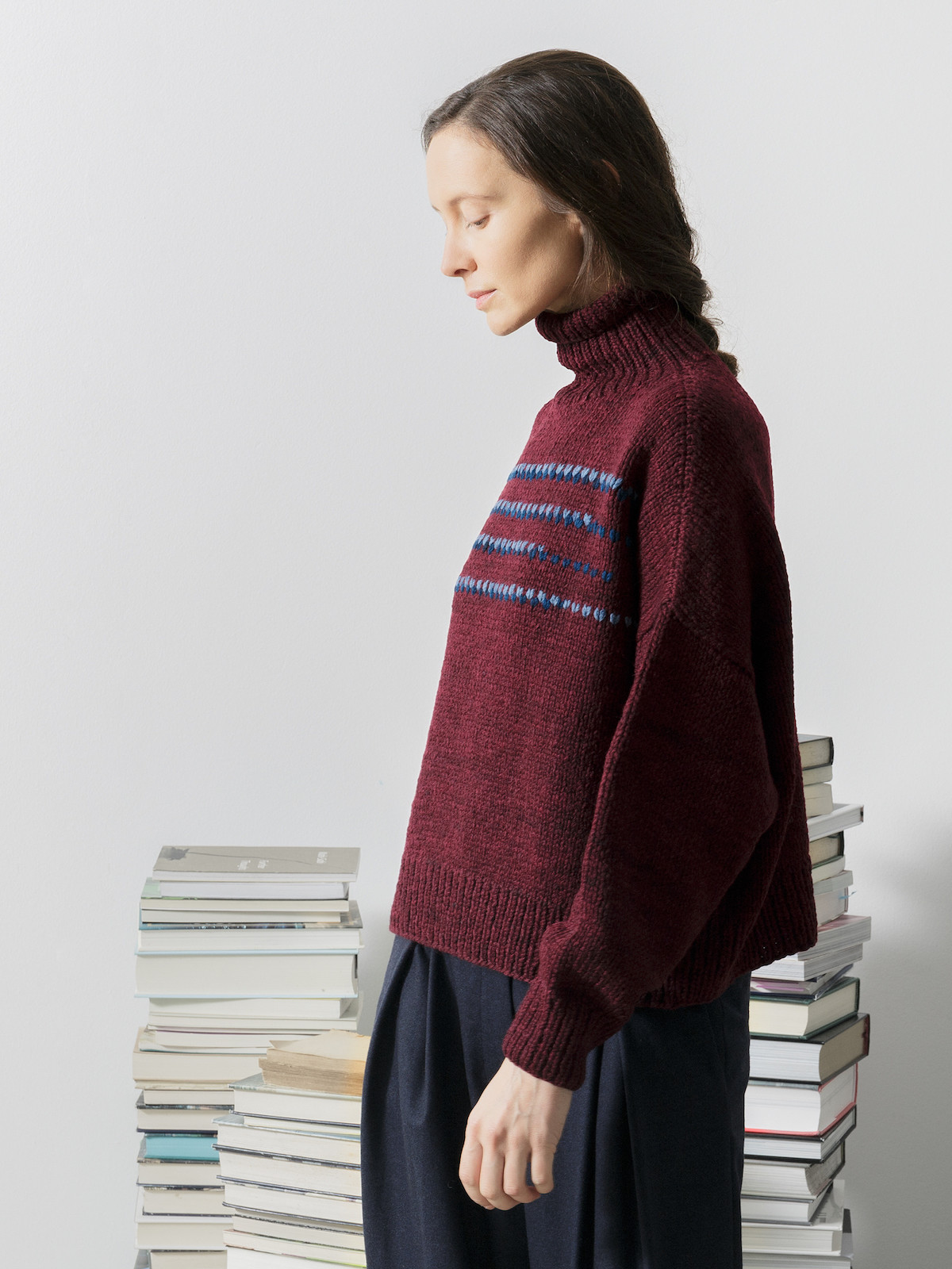 Funnel embroidery sweater Image