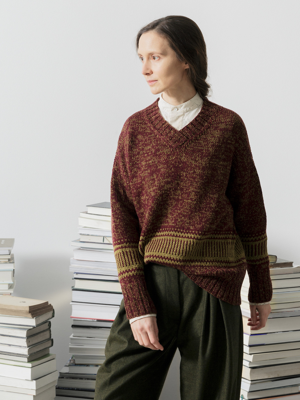 V-neck jacquard sweater Image