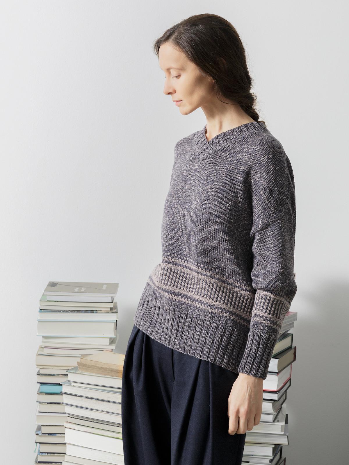 V-neck jacquard sweater Image