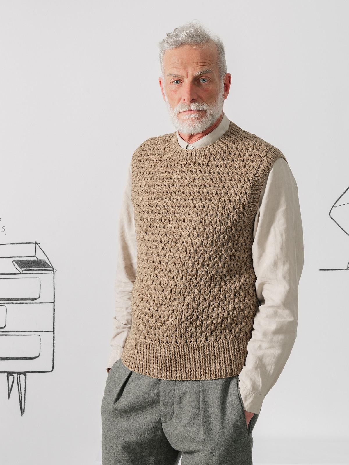 Open-knit vest Image