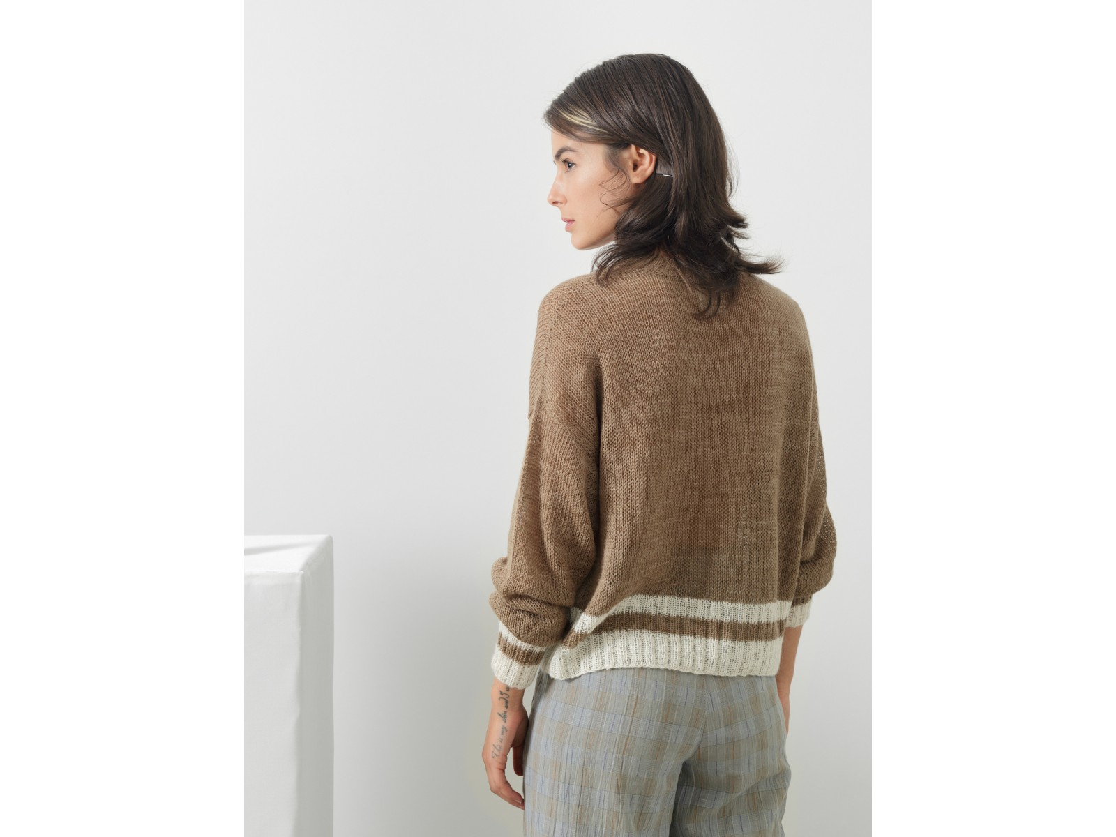 Large v-neck sweater Image