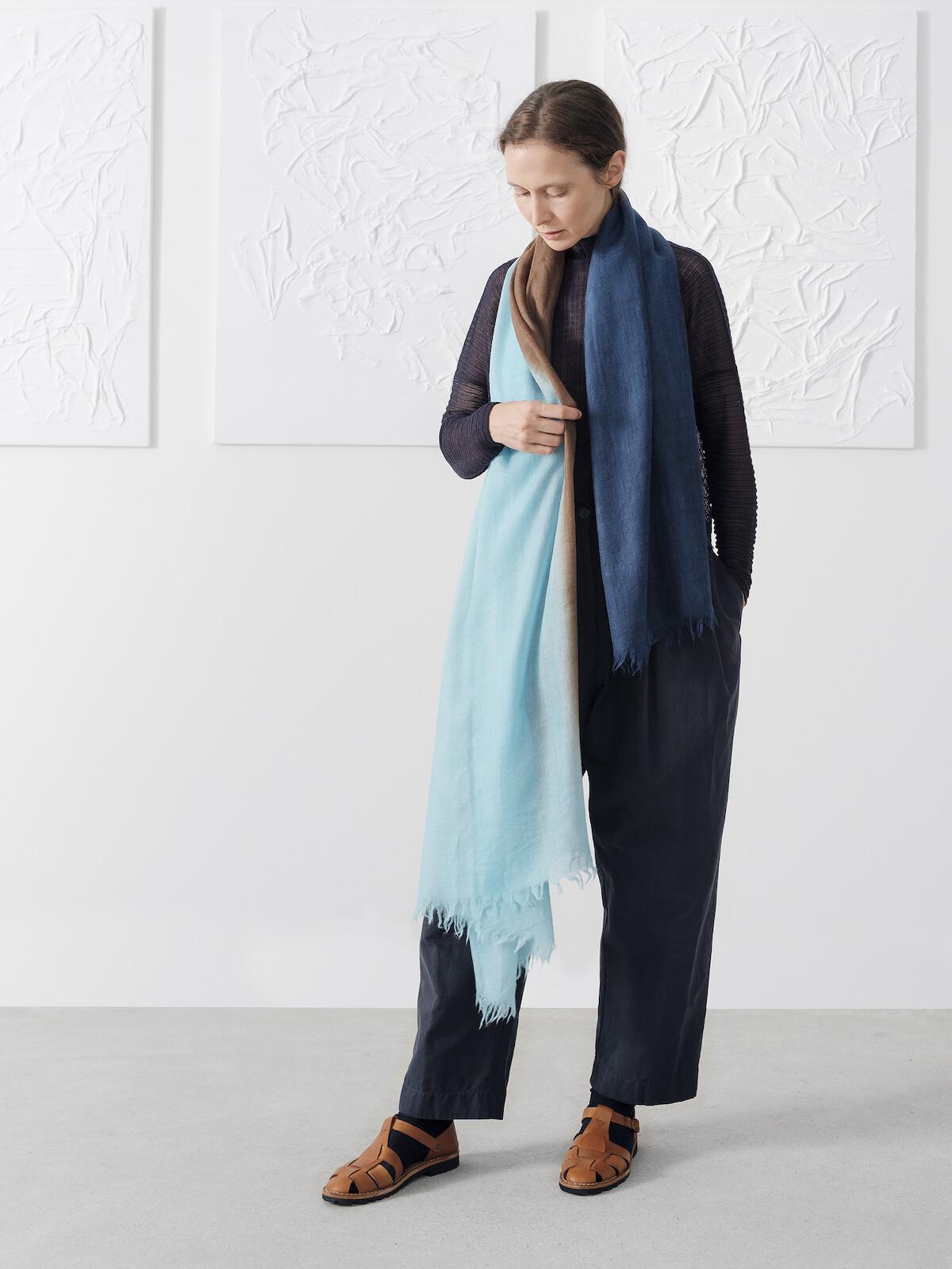 Handpainted scarf Image