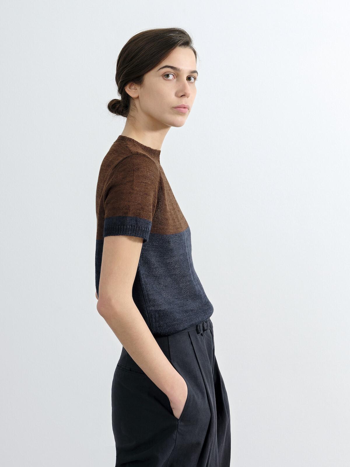 Block color t-shirt Image