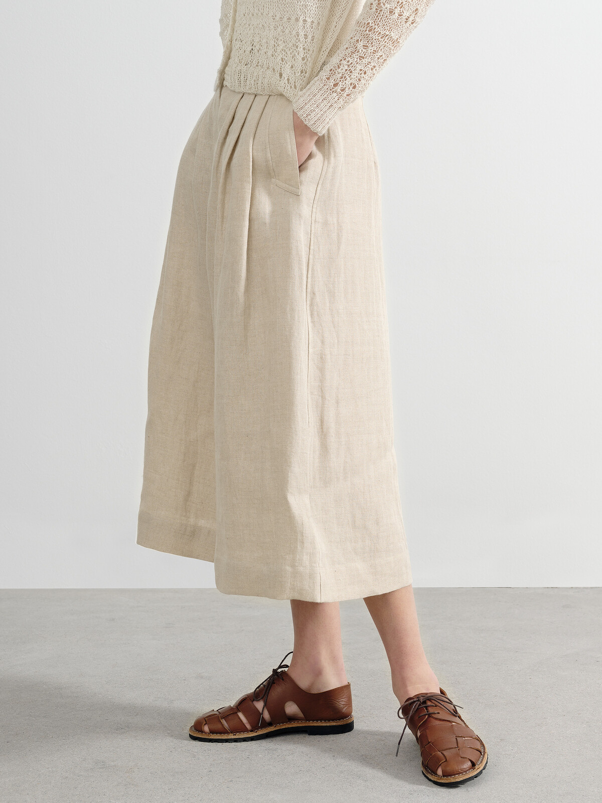 Wide pleated culottes Image