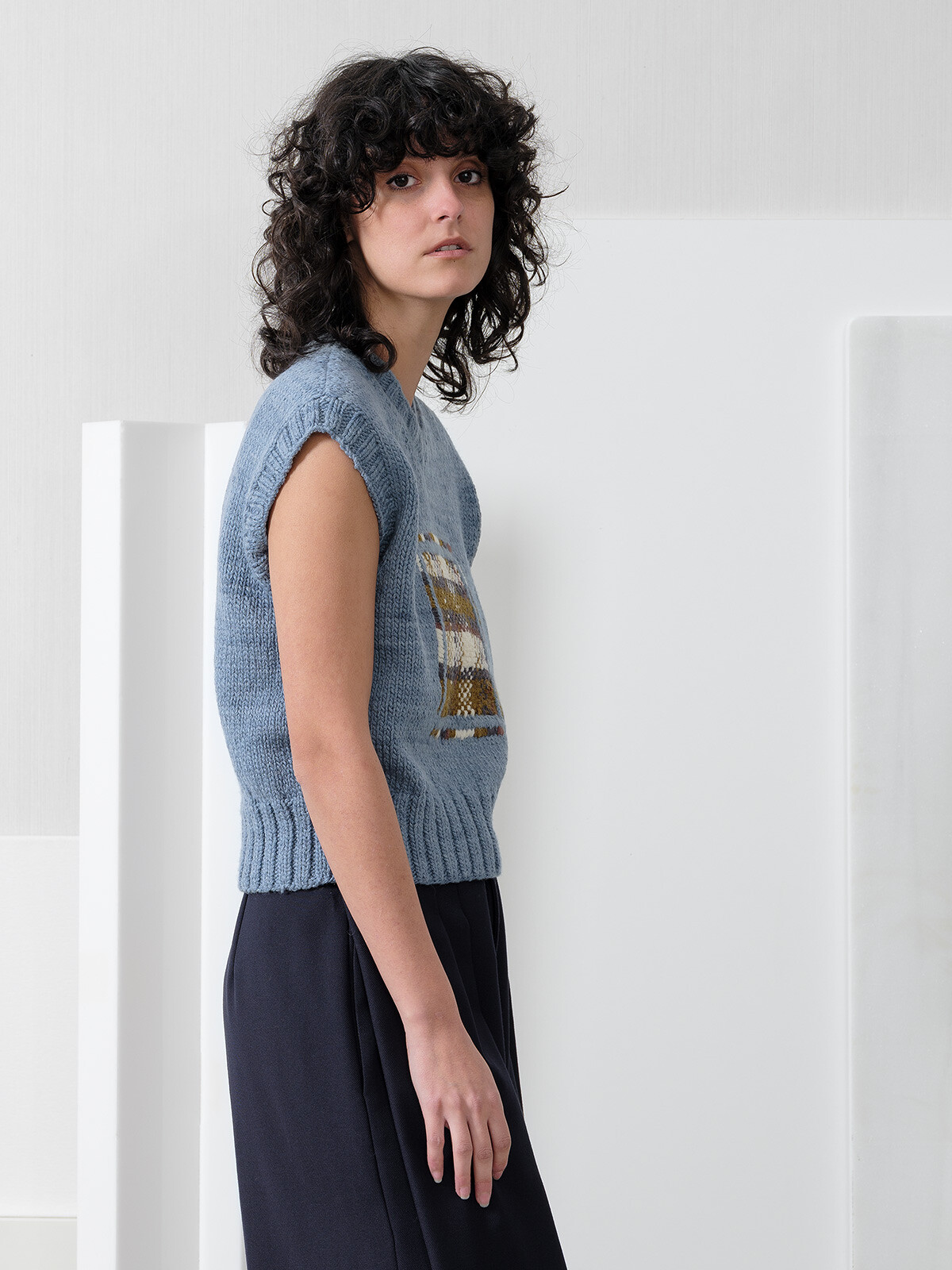 Mending vest Image