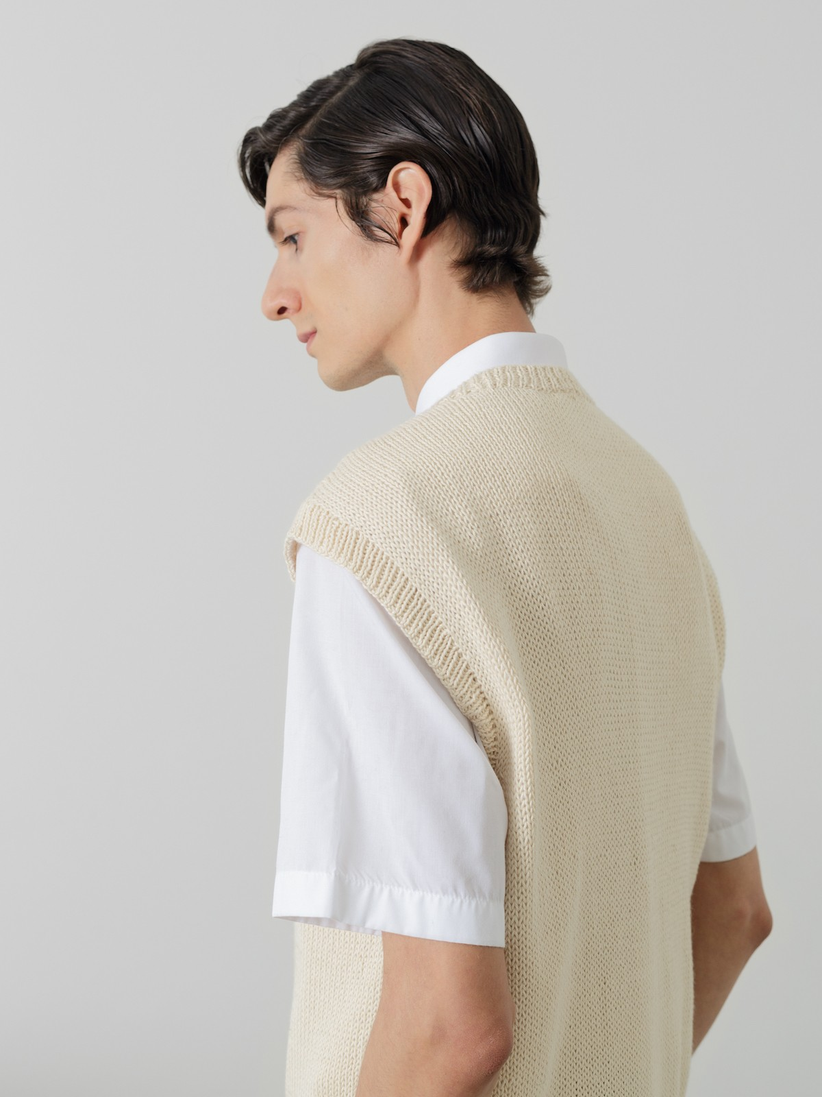 Sleeveless cardigan Image