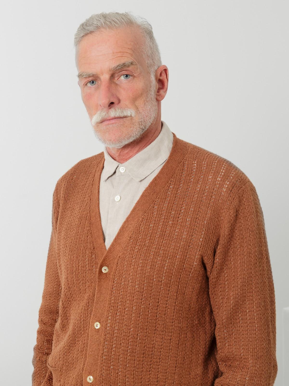 V-neck linen cardigan Image