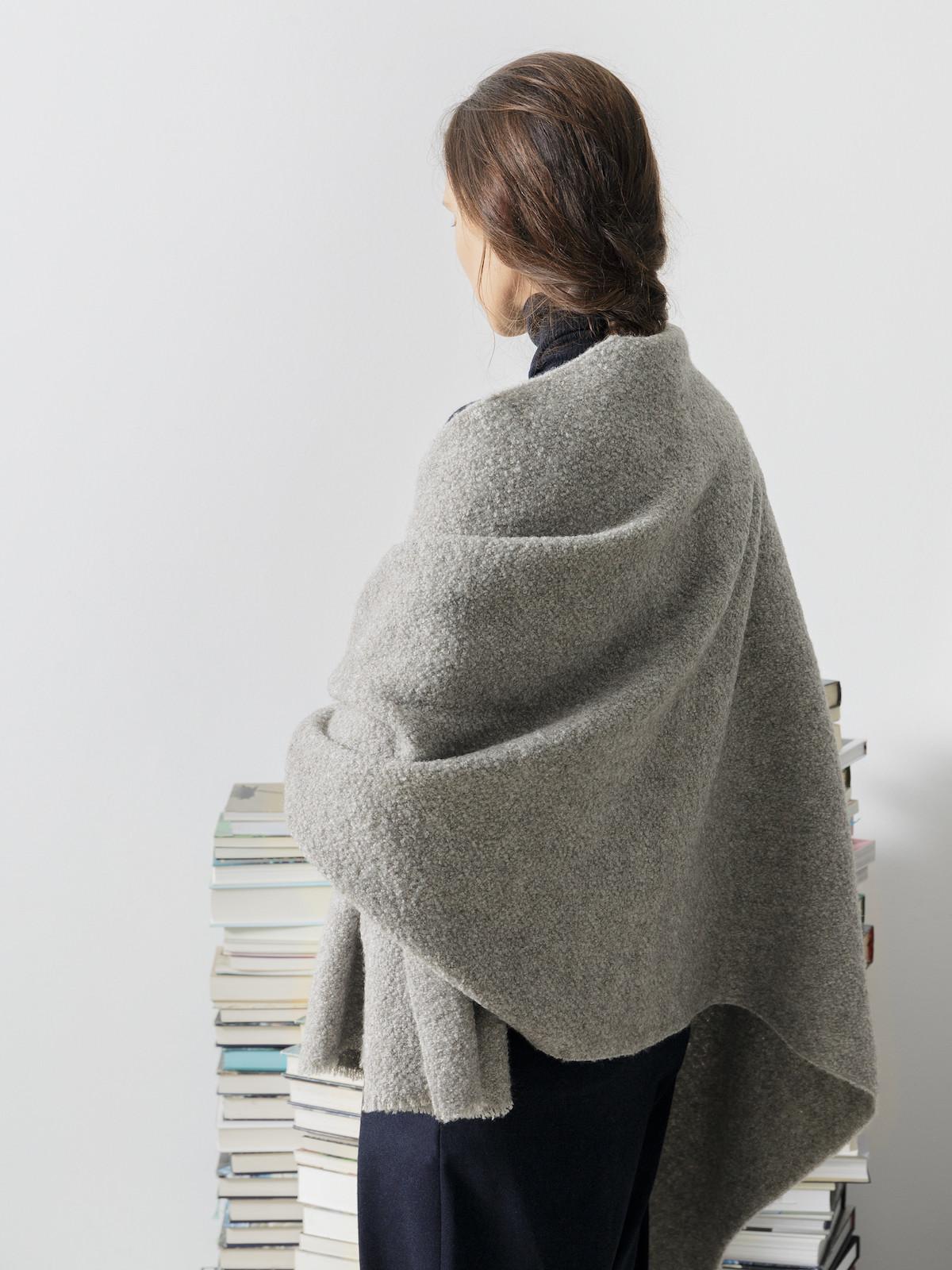 Boucle scarf Image