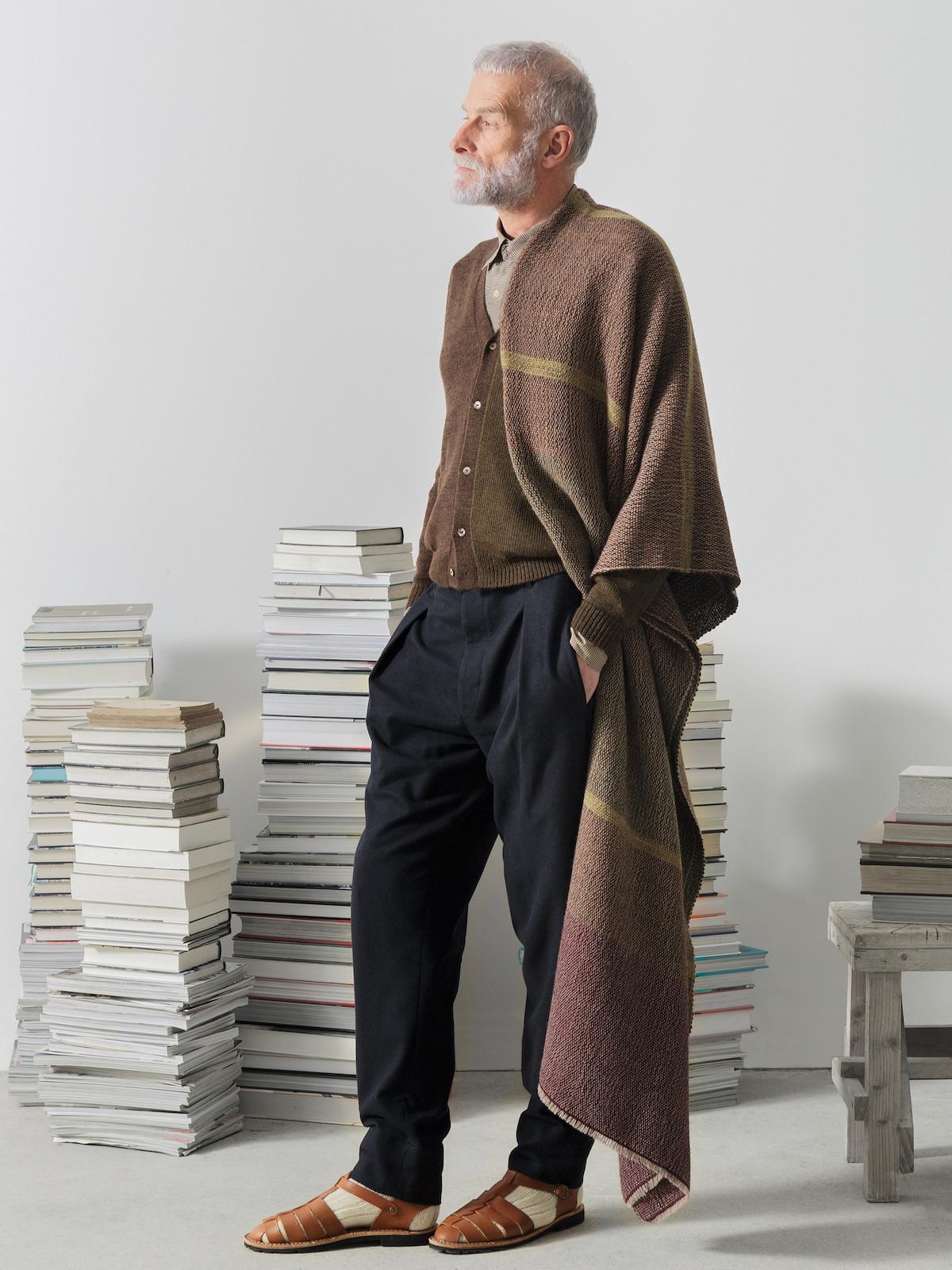 Handloomed blanket Image